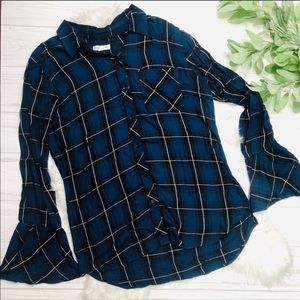 Blue bell-sleeved beachlunchlounge plaid top